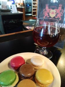 DUBINA Ale with macaroons